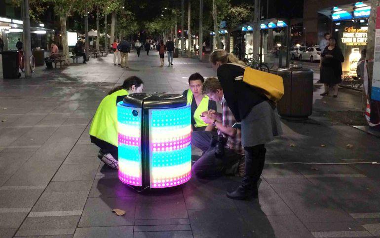 La papelera que convierte los residuos en videojuegos para fomentar el reciclaje entre los más pequeños